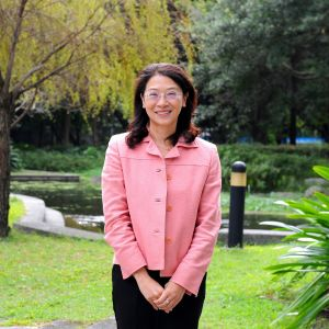 Huang-Yu Wang (Vice Dean, Director of GIILS)
